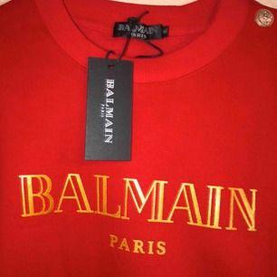 Säljer helt nya & oanvända Balmain tröjor i AAA plus kopior med etiketter på!  Fraktar endast. Hör endast av er vid intresse , inga oseriösa köpare tack.