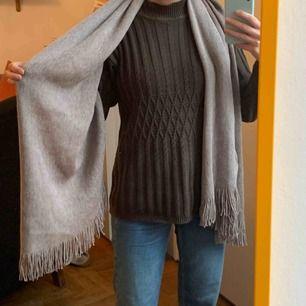 Helt ny ull-halsduk, frakt 63kr