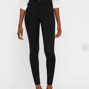 Svarta jeans vero Moda, nypris 399kr