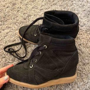 Pavement skor, ny skick nypris: 1195kr använt 1gång / köparen står för frakten