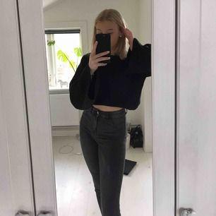 Suuuper snygga gråa jeans från H&M, Storek 34, använda 2 gånger!🤍