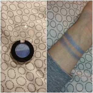 Ögonskugga med två blåa nyanser (Köparen står för frakten 9kr)