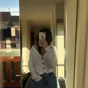 Oanvänd tröja från NLY Frakt:29:-
