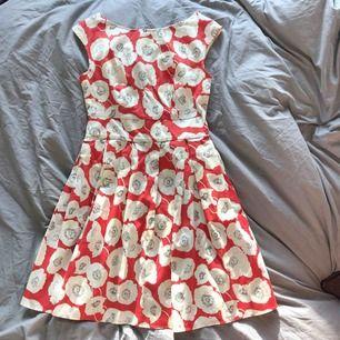 Klänning från mint&berry  Strl 36 Aldrig använd Mötas eller så står köparen för eventuella frakt kostnader