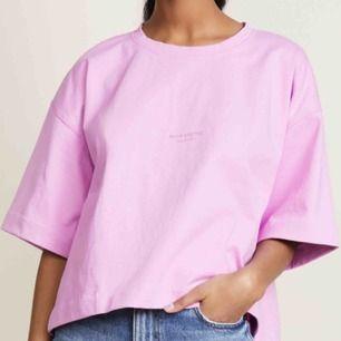 acne studios cylea tröja! storlek XS men oversize så passar större. aldrig använd o har prislapp kvar, lägg egna bud:)