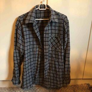 Rutig skjorta, frakt tillkommer :)