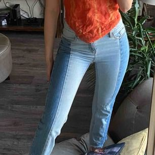 Trendiga jeans från stradivarius. Använda fåtal gånger!