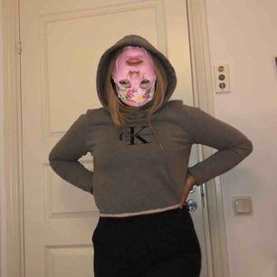 Avklippt CK hoodie 👼🏻 Delar på frakt;)