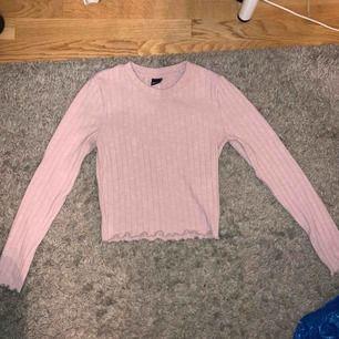 Helt ny rosa tröja från Gina Tricot i storlek S