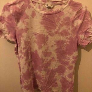 Fin tröja från Cubus i storlek s. Köpt i somras använd några få gånger. Säljer pågrund av att den inte kommer till användning. Frakten ingår inte