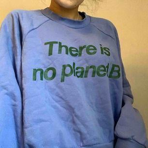 Jätte mysigt tröja från weekday. Köparen står för frakten