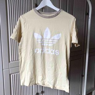 Tshirt från adidas!