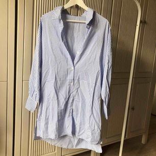 Sprillans ny klänning! fin sommarklänning som är i ett luftigt material