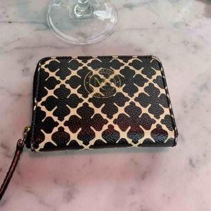 Kollar intresset på denna Malene Birger plånbok..Buda, inga skambud
