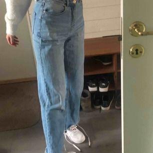 Ett par jeans ifrån Vero Moda  W=27 L=30  Kunden står för frakt!