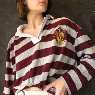 Skit mysig harrypotter tröja köpt i London Köpare står för frakt eller möts i Uppsala💘