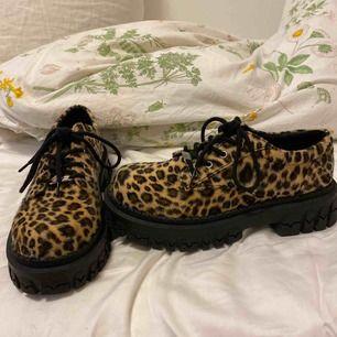 Säljer mina älskade Delias-skor pga fel storlek 🥺 Använda en gång så mycket bra skick. Kostar 750 nya plus frakt och tull. Möts upp i Göteborg eller skickar (frakt ingår i priset) 🌸