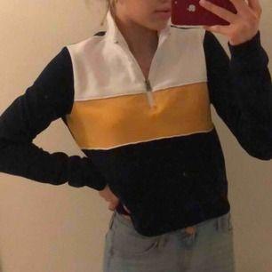 En tröja från Hollister, aldrig andvänd. Frackt kostar 50kr