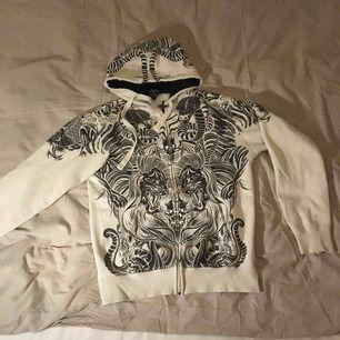 As mysig o stor hoodie så fkn fet men måste ha para så säljer den :(