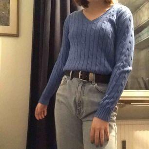 Super super fin kabelstickad tröja från Ralph lauren, jättefin färg också, köpt för 700, nyskick, använd Max 5ggr. Pris kan diskuteras. 250 inkl frakt