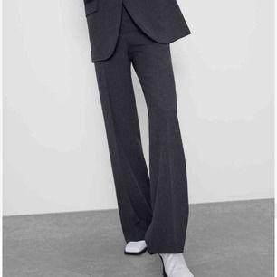 Snygga kostymbyxor från zara i nyskick köpta för 550kr