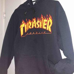 Säljer min thrasher hoodie, köpt för 1000kr. Köparen står för frakten. Om du har några frågor, skriv bara! Kolla in mina andra saker och se om du gillar något:))