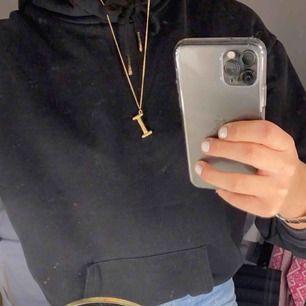 Snygg halsband i guld!!