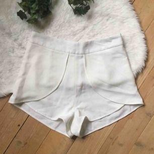 Helt nya shorts från Nelly. Storlek xs. Frakt ingår i priset.