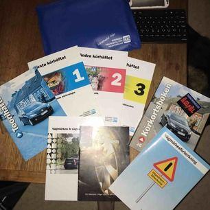 Komplett samling körkortsböcker, säljer då jag inte behöver dem längre 🤗 Frakt inräknat i priset!