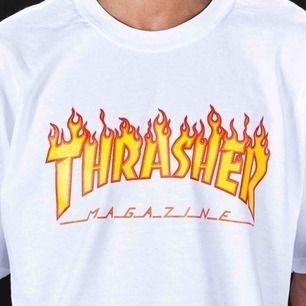 Säljer nu min thrasher-tshirt i vitt med flames på. Sparsamt använd och väldigt fint skick! Köpt i USA och 100% äkta. Skriv för fler bilder!