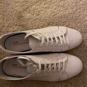Hope Skor Sneakers Low-tops Billie Sneaker WHITE, storlek 44, cond 9/10. Priset kan diskuteras.