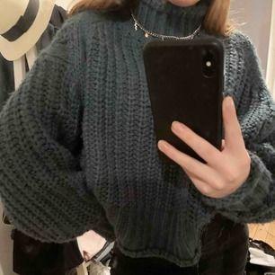 Mysig och populär tröja från h&m!🥰 köparen står för frakten!