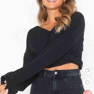 Säljer denna croppad sweatshirten från Nelly, använd 1 gång. Frakt tillkommer