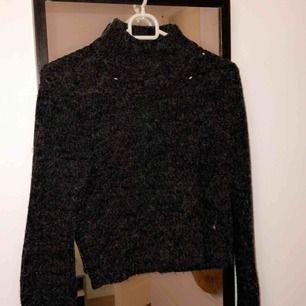 Stickad tröja i fint skick, frakt 54kr