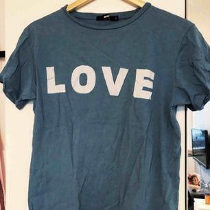 Cool oversized t-shirt från Bikbok!