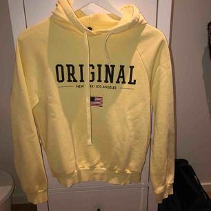 Jättefin hoodie från Gina Tricot