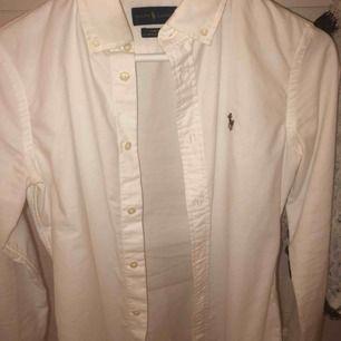 Ralph lauren skjorta Knappt använd!