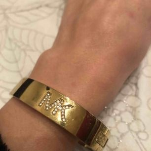 MICHAEL KORS Buckle Bangle Bracelet Gold-Tone