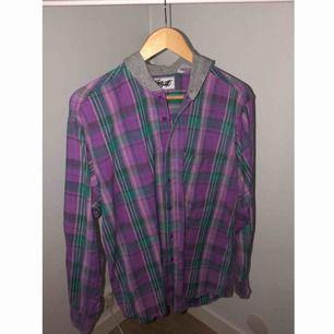 As cool vintage skjorta i fint skick, går ej att köpa längre. Frakt 36kr  100% Cotton