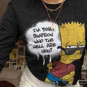 Cool Simpsons tröja från Urban outfitters. Endast använd 1 gång. 65 kr + frakt