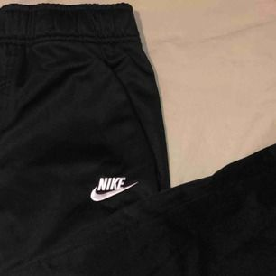 Nike byxor I nyskick