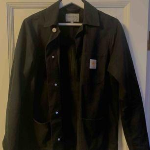 Carhartt jacka / overshirt med väldigt fin passform