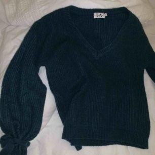 Strimlad tröja från Linn Ahlborgs kollektion med Nakd 💚 storlek S, frakt tillkommer!
