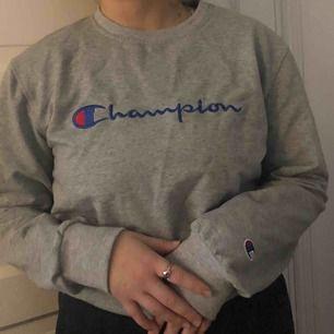 Champion tröja  Köparen står för frakt