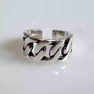 Finns 1 av denna ring inne. 150kr inkl frakt! Först till kvarn