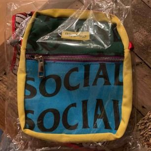 Ny väska från märket anti social social club i förpackning, kvitto finns!