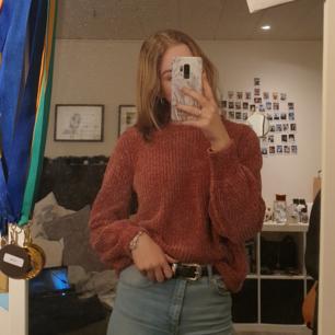 En tröja från HM i storlek M, säljer pga aldrig använder<3 (Kan ludda av sig lite)