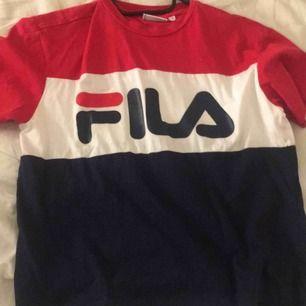 Jättefin Fila T-shirt! Aldrig använd