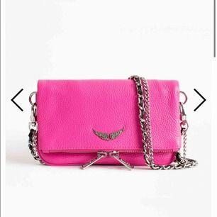 Söker en liten rock nano Zadig väska!! Kontakta mig om ni har en ni vill sälja! Gärna en rolig färg!!