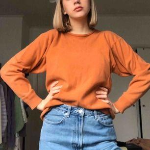 Orange vintage jumper från märket UNO Danmark. Frakt 40kr!